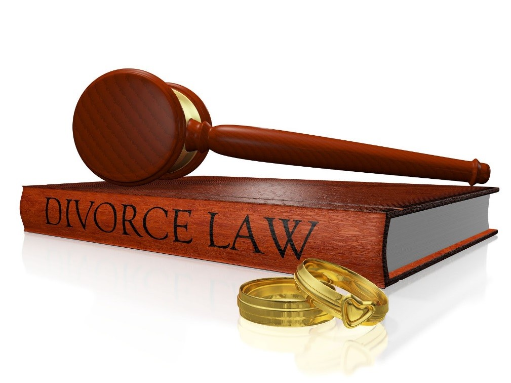 Ending a Marriage: What Should Prompt You to Hire a Divorce Lawyer?